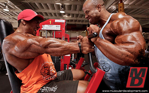 VICTOR-AND-ROELLY-DESTINATION-BIG-ARMS-INS4