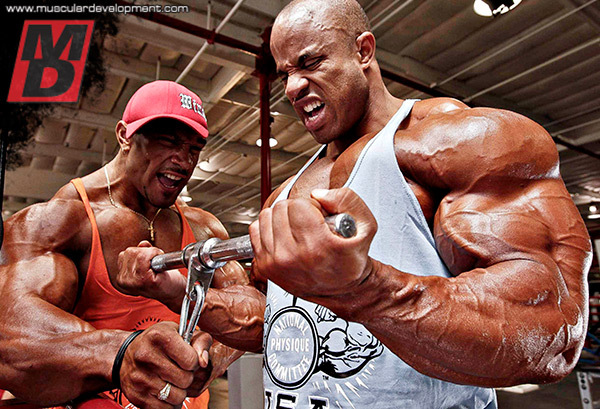 VICTOR-AND-ROELLY-DESTINATION-BIG-ARMS-INS5